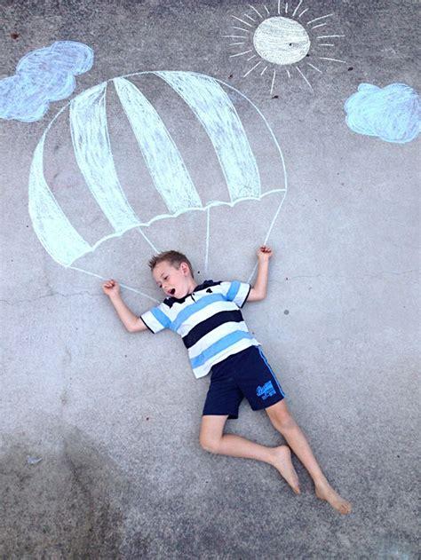 chalk drawing photography kids craft outdoor fun craft