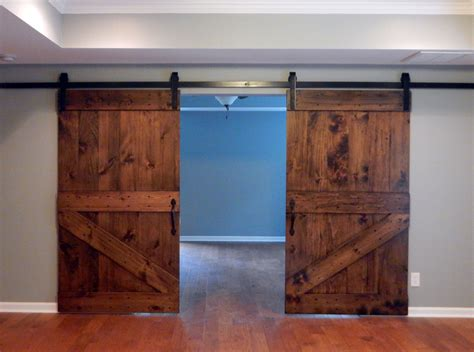 Traditional half z brace plank barn door