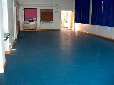 pavimenti linoleum per esterni pregi dei pavimenti in linoleum pavimento da esterni