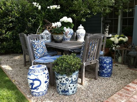 Garden Stool Blue White by Blue And White Garden Stool Friendly Space Outdoor
