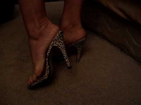 high heels shoes smelling sniffing toes