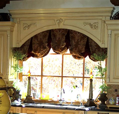 Wood Valances For Windows Decor How To Build A Wooden Window Valance Valances Window Valances And Wood Valance