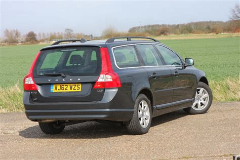 volvo v70 parkers volvo v70 estate 2007 photos parkers