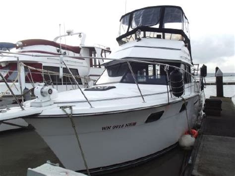 32 ft carver used boats carver 32 aft cabin boats for sale yachtworld