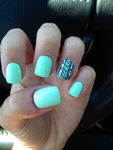 color pattern nails another pinner quot got me nails diddd quot i love the solid