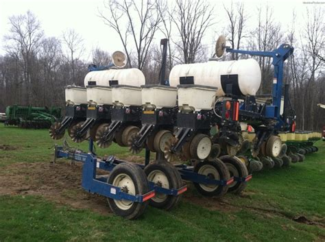 Kinze Planters by 2008 Kinze 3500 Planting Seeding Planters Deere Machinefinder
