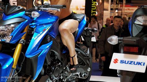 hot girls    eicma bike show part