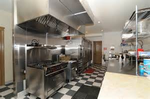 Commercial Restaurant Kitchen Design by Comercial Projects
