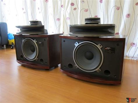 beautiful speakers classic technics sb e200 speakers in beautiful rosewood