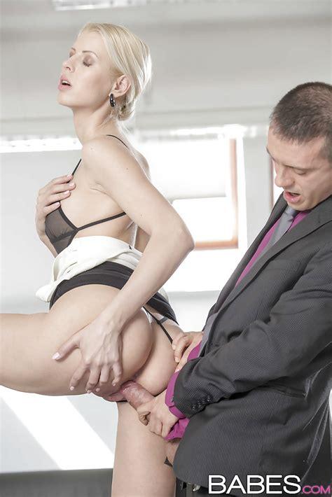 busty Swedish Milf Lynna Nilsson Receiving Hardcore Fucking In Workplace