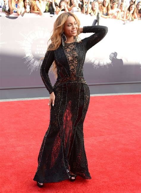 mtv vmas red carpet show to live stream virtual reality leather skin and sparkle it s the mtv vmas red carpet