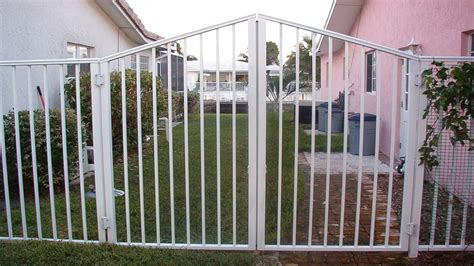 swing gate installation aluminum fences in south florida aluminum gates in south