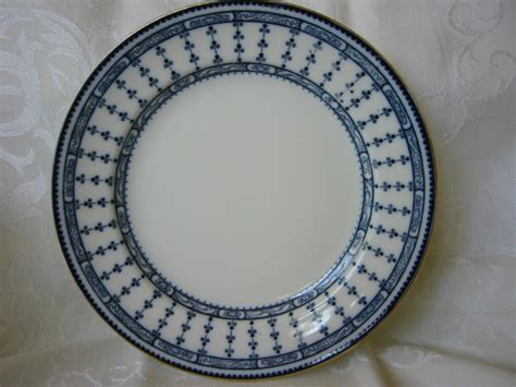 plate patterns flow blue plate 9 1 2 quot 2 kneeling co pattern