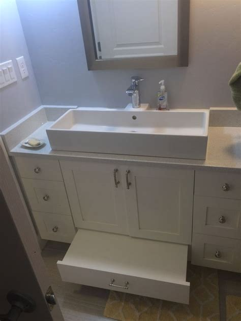 Sink Mounted Step Stool by 1000 Ideas About Craftsman Mirrors On