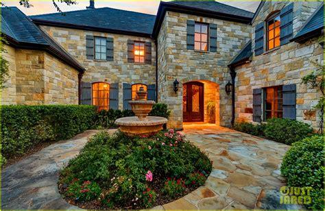 selena gomez house go inside selena gomez s texas dream home photo 1070855 photo gallery just