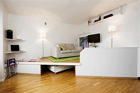 saving space in a small bedroom 55