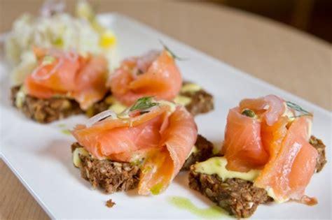 come cucinare il salmone a fette idee per ricette con salmone affumicato fresco o al forno