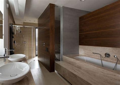 stile pavimenti legno idee bagno moderno con inserti in legno e pietra