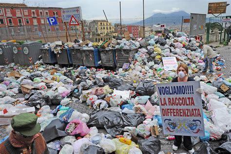 ufficio tarsu napoli ecquo 187 archive 187 napoli ancora piena di rifiuti e