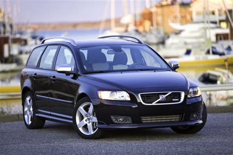 2009 volvo v50 2009 volvo v50 pictures photos gallery motorauthority
