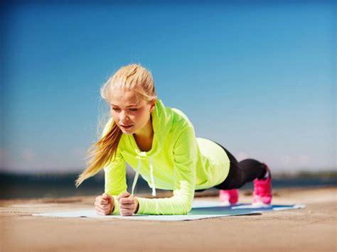sport zuhause machen schnell abnehmen 7 220 bungen 10 minuten am tag eat smarter