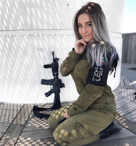 looking to israel for clues on women in combat the new york times female israeli soldiers wow instagram users as they pose