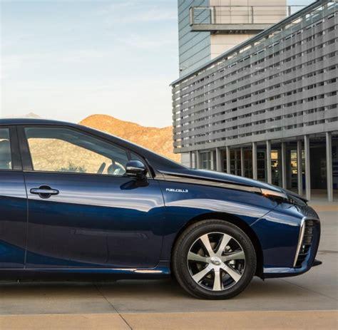 Brennstoffzellenauto Toyota by Toyota Mirai Ist Erstes Wasserstoffauto Im Handel Welt