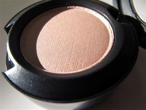 Mac Eyeshadow Hush mac makeup mac cosmetics mac makeup tips makeup reviews