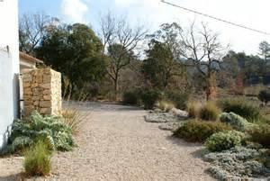 un jardin sans arrosage vraiment des pierres dans mon
