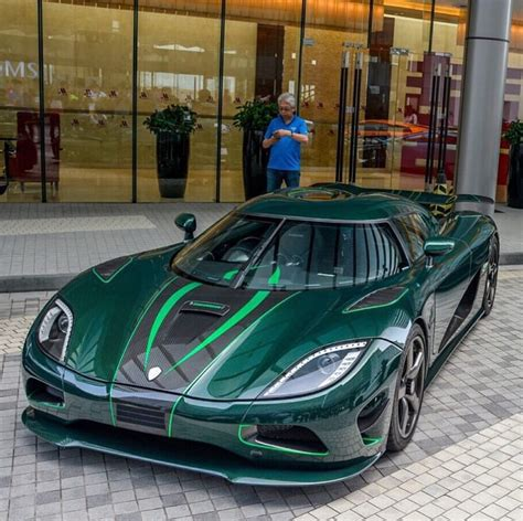 koenigsegg green koenigsegg agera r painted in green w black carbon fiber