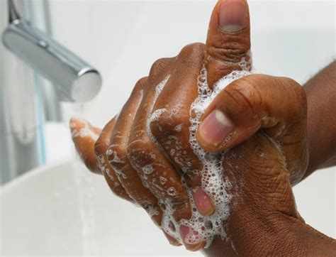 black people dont wash their hair 90 percent nigerians don t wash hands properly risk