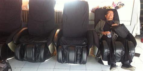 Kursi Pijat Di Surabaya lelah setelah perjalanan wisata coba pijat di kursi sehat kompas