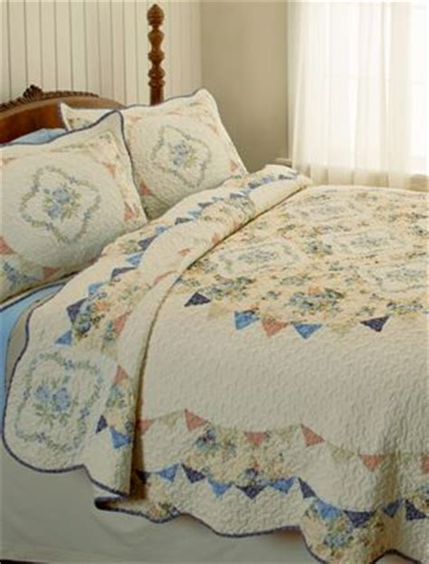 the country store comforters cotton bed quilt with floral medallion design