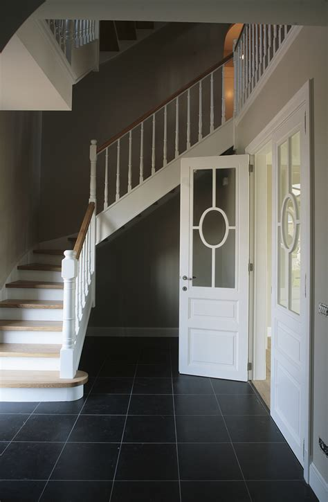 stile cottage d hondt interieurescalier quart tournant blanc en bois