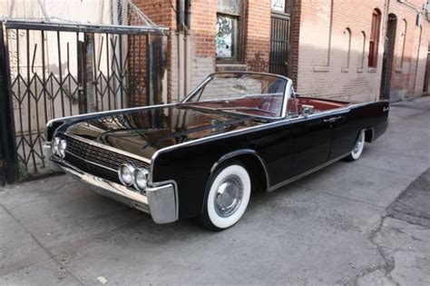 lincoln continental convertible  factory miles