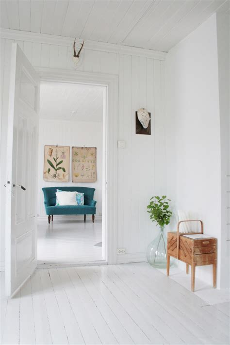 white wood floors living room decorate your home or office by paint it beautifully