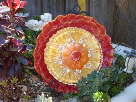 Garden Plate Flowers 1000 Images About Glass Plate Flowers On Ceramics Puppy And Yard