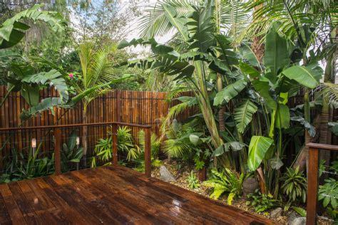 balinesischer garten diy create balinese home gardening ideas backyard garden