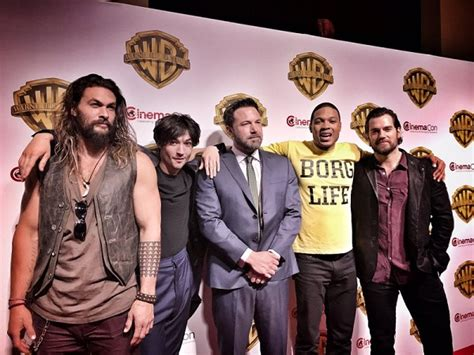 film justice league cast justice league trailer is winning hearts at cinemacon