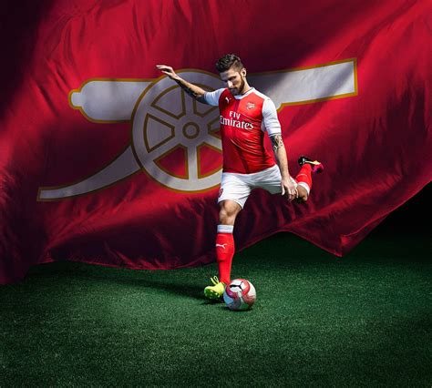 Soccerstarz Arsenal Cazorla Home Kit 2016 2017 arsenal unveil new home kit for the 2016 17 caign as