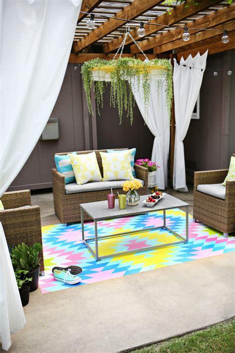 decorar el jardin barato decorar terrazas barato y f 225 cil 36 fotos y consejos