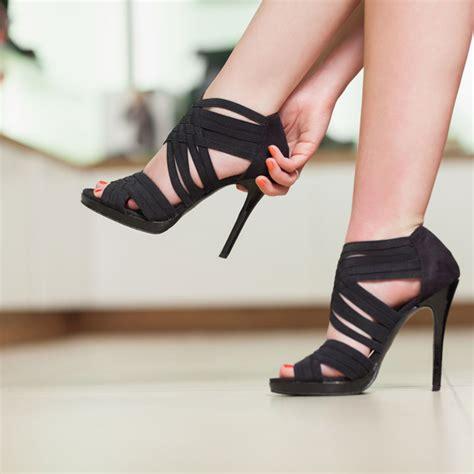 chausures a talons insolite et si les chaussures 224 talons avaient un fort impact sur les hommes mode