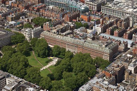 flat   view  grosvenor square