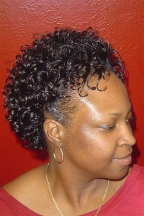 how to wear curly hair over 60 curly short hairstyles for black women hairstyle