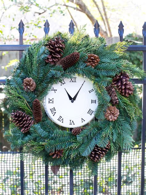 10 diy christmas wreaths hgtv christmas wreath ideas hgtv