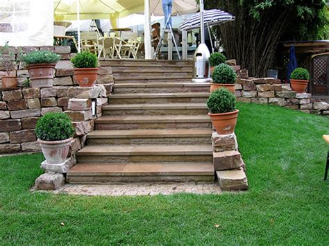 terrasse treppe terrassenbau in berlin terrasse anlegen und bepflanzen