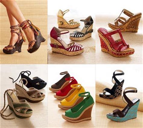 Sepatu Wanitawedges Masakini Terbaru155 fashion sepatu sandal wedged trend sepatu wanita 2011 dengan model desain alas kaki sol tebal