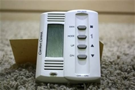 Duo Therm Comfort Digital Thermostat by Used 4 Button Comfort Duo Therm By Dometic