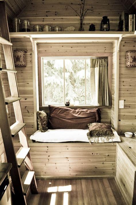 tiny house seating habitaciones con revestimiento de madera decoraci 243 n de