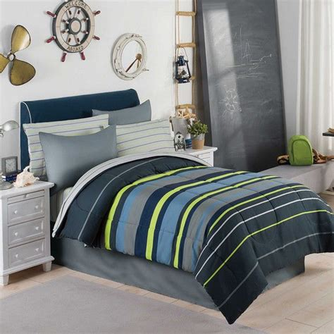 Comforters For Guys by Best 25 Green Boys Bedrooms Ideas On